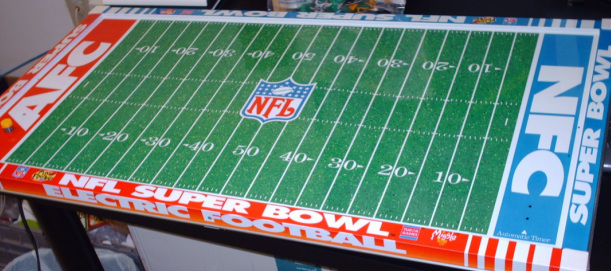 VINTAGE TIN ELECTRIC FOOTBALL GAME